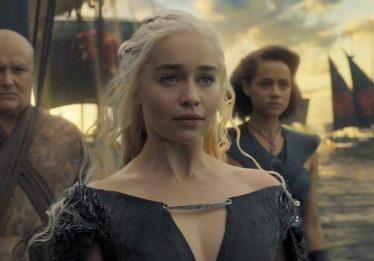 """Emilia Clarke revela que ficou """"perturbada"""" com final de sua personagem em 'Game Of Thrones'"""