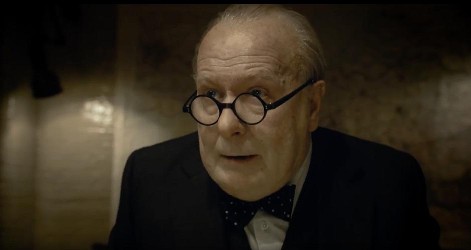 Gary Oldman aparece irreconhecível em trailer de Darkest Hour