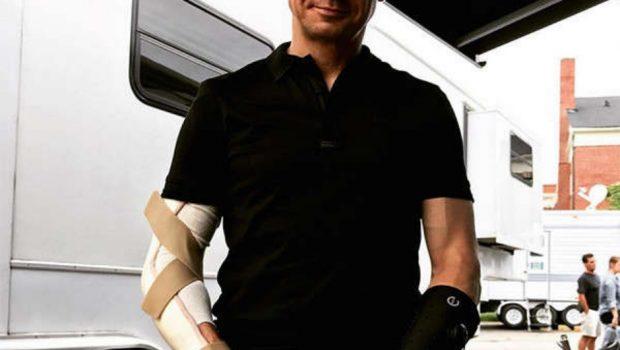 Jeremy Renner fratura os dois braços filmando comédia