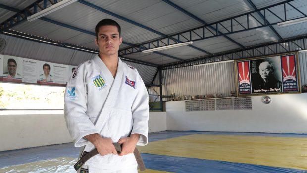 Judoca goiano representa o país em Mundial na Índia