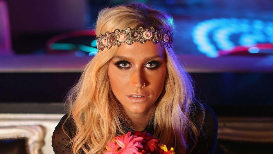 Kesha diz que novo álbum foi inspirado em ETs