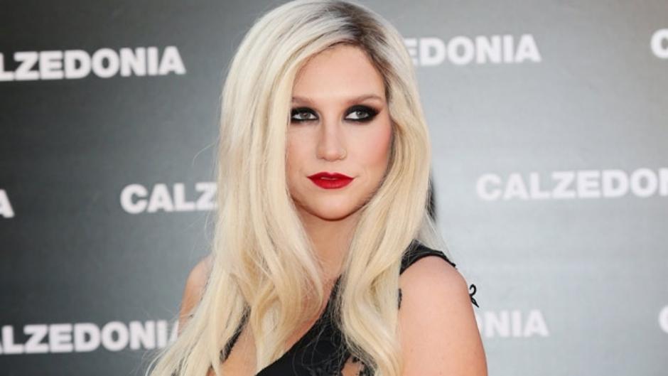 Kesha anuncia sua volta oficial à música no Instagram
