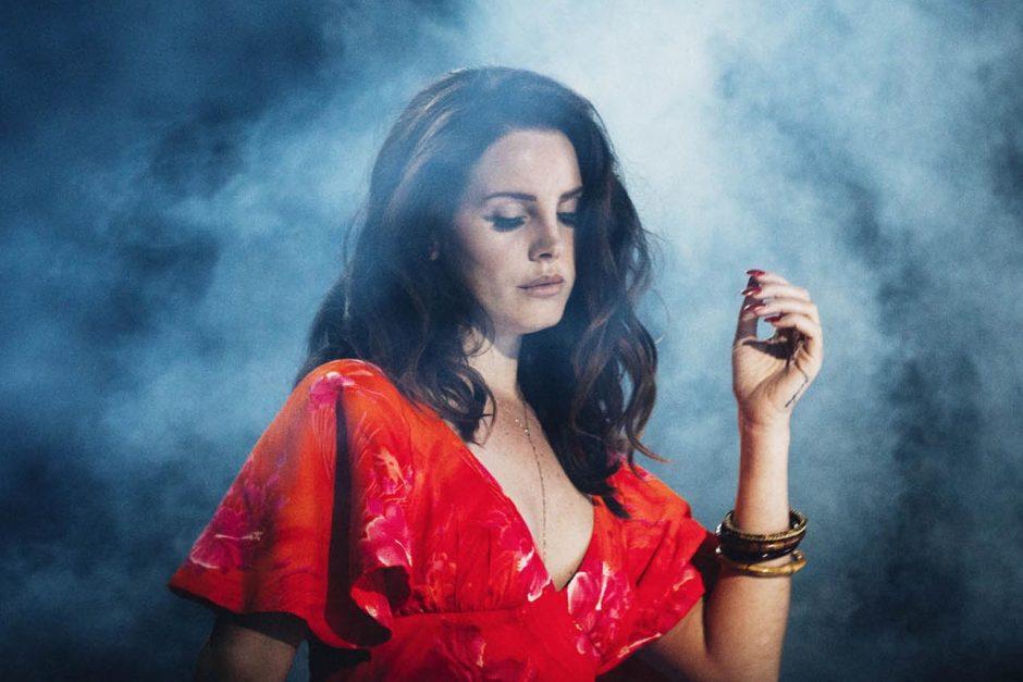 Lana Del Rey diz que já fez bruxaria contra Donald Trump