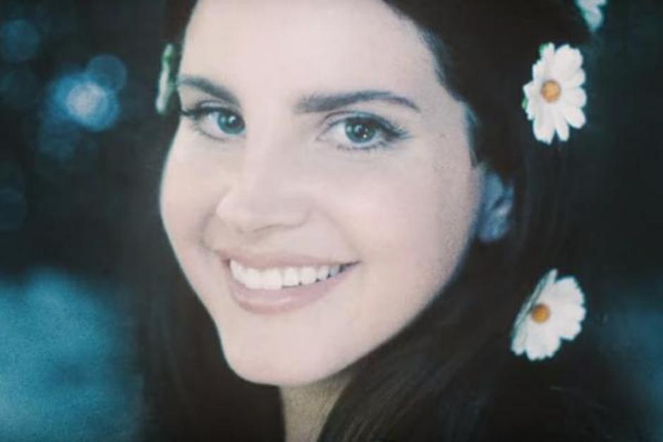 Lana del Rey anuncia música nova, 'Mariners Apartment Complex'