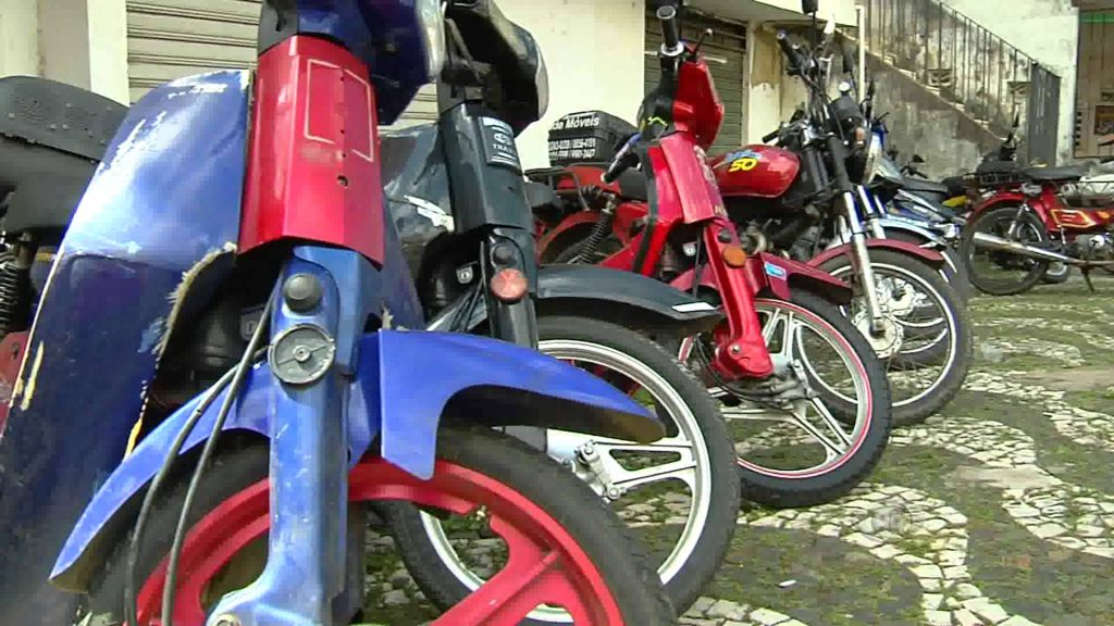 Detran aplica primeira prova para habilitação de condutores de motos até 50cc neste fim de semana
