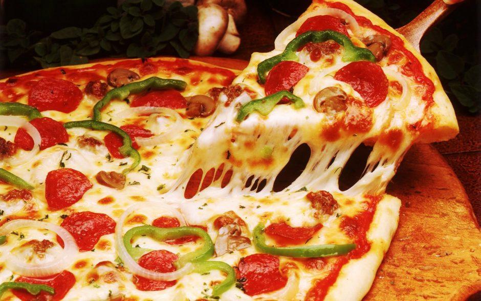 No Dia Mundial da Pizza, EntregaWeb faz entregas sem taxa em Goiânia