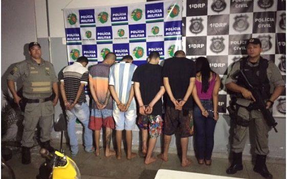 PMs prendem cinco homens e adolescente que praticavam assaltos na Grande Goiânia