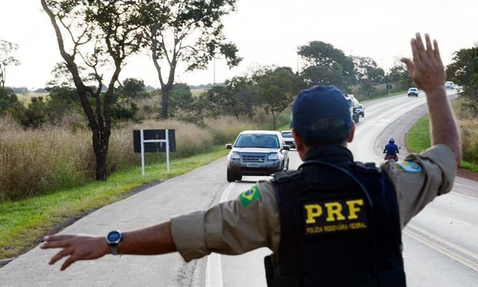 PRF-DF intensifica fiscalização em rodovias federais durante feriado
