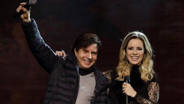 Em show, Sandy canta 'Evidências' com o pai, Xororó