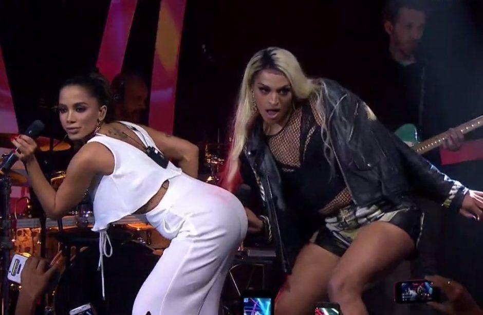 Anitta e Pabllo Vittar cantam 'Sua Cara' juntas pela primeira vez na TV