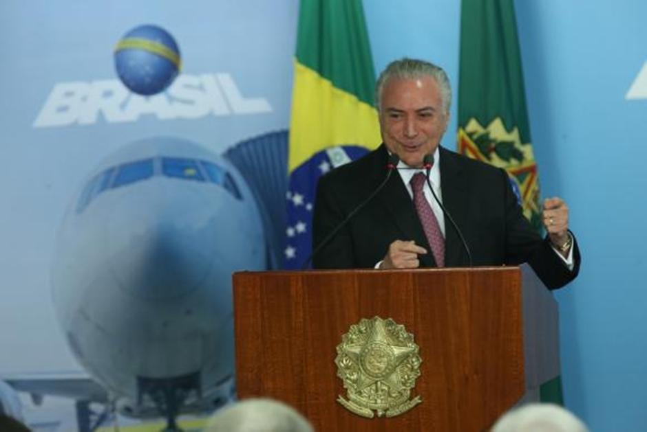 Base aliada diz ter votos suficientes para rejeitar denúncia contra Temer na CCJ