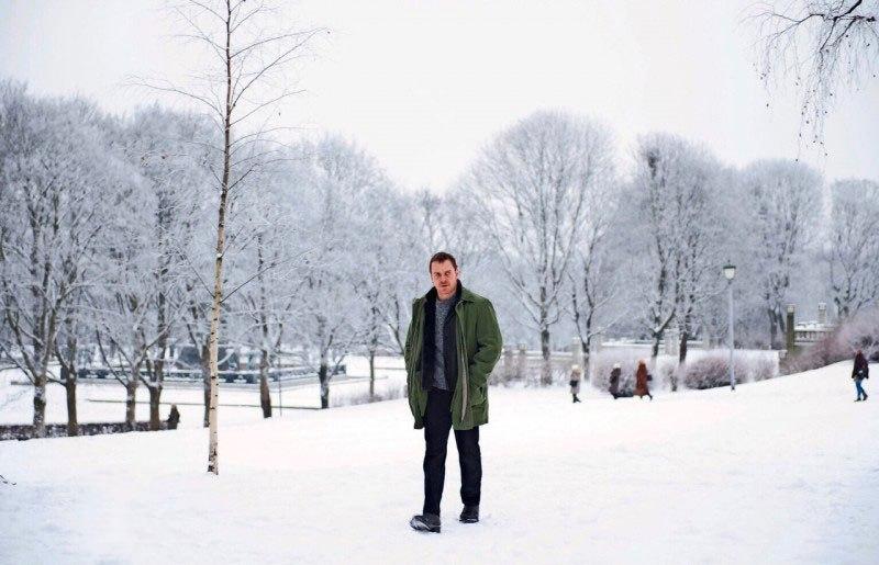 Michael Fassbender investiga um serial killer no trailer de Boneco de Neve
