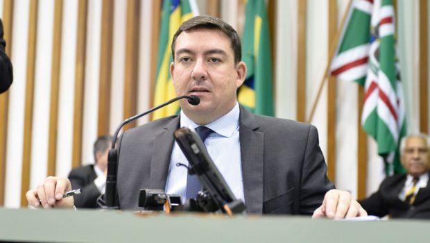Após polêmica, presidente da Alego quer implementação de biometria