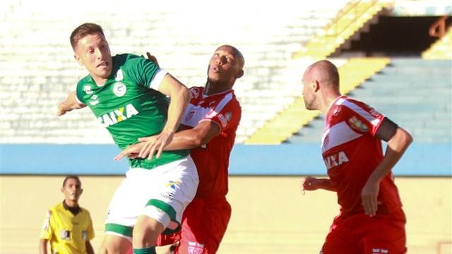 Goiás vence a segunda partida consecutiva e volta a sonhar com o G4