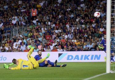 Real Madrid faz 3 a 1 no Barcelona e fica perto do título da Supercopa da Espanha