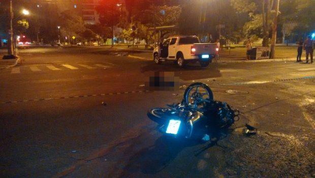 Motociclista morre em acidente com caminhonete no Setor Bueno, em Goiânia