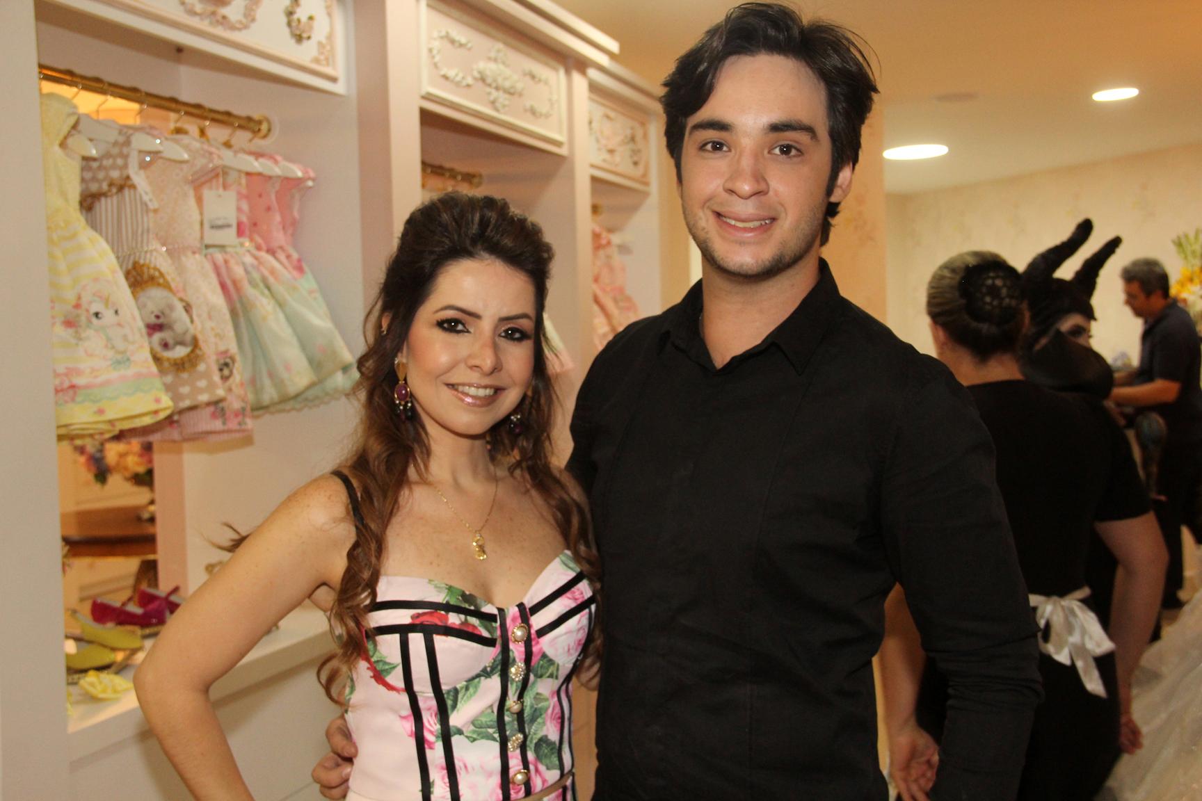 A empresária Ludmyla Vasconcelos inaugurou a nova sede da loja Amoreco. O empresário Layon Berigo organizou desfile com personagens da Disney.