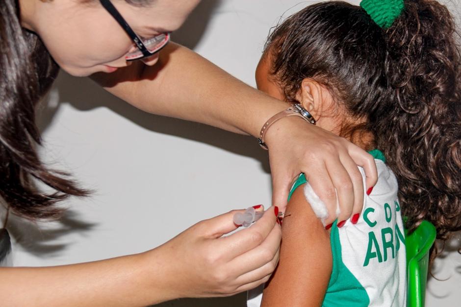 Em Aparecida de Goiânia, mais de 5 mil adolescentes devem ser vacinados durante campanha contra HPV e Meningite
