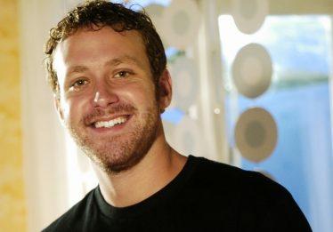 Sérgio Hondjakoff, Cabeção de 'Malhação', mudou-se do Brasil e trabalha como caixa em NY