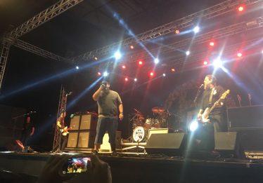 Goiânia Noise: último dia teve alguns problemas e Raimundos