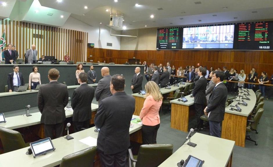 Deputados estaduais retornam às atividades em Plenário e lamentam falecimento de Paulo Garcia