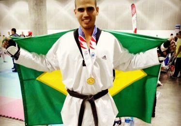 Atleta goiano é campeão mundial de taekwondo