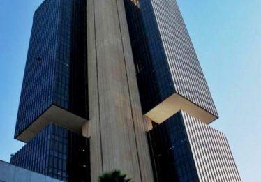 Investimento direto no Brasil cai 53% em abril, diz BC