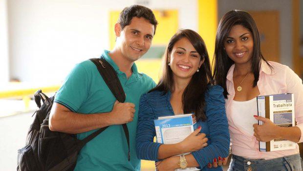 Bolsa Universitária: estudantes devem renovar benefício a partir desta quinta-feira