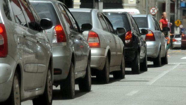 Projeto propõe pagamento de multas de trânsito com cartões de crédito ou débito em Goiânia