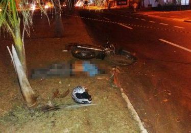 Idoso morre ao perder controle da moto que pilotava, em Goiânia
