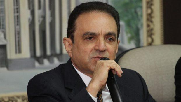 Ex-prefeito de Belém é condenado por improbidade administrativa
