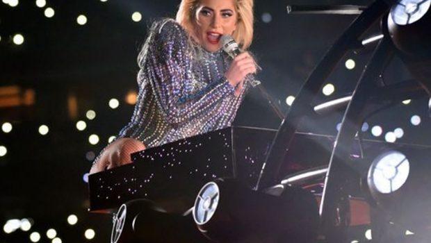 Lady Gaga está em estúdio preparando o sucessor de 'Joanne' com uma orquestra