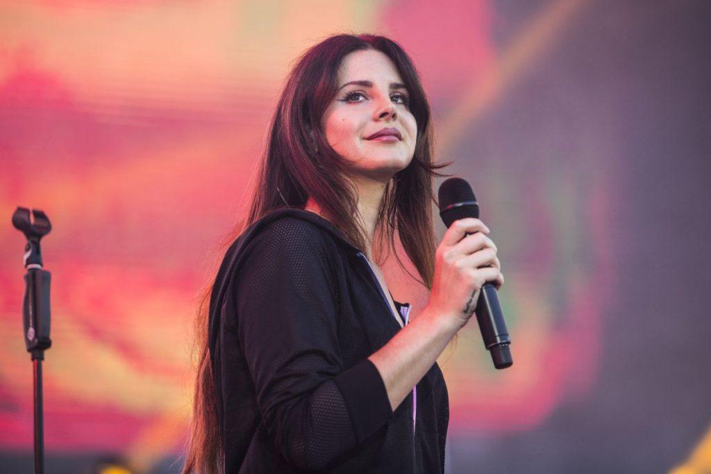 Lana Del Rey está confirmada no Lollapalooza 2018, diz site