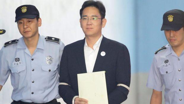 Chefe da Samsung é condenado a 5 anos de prisão