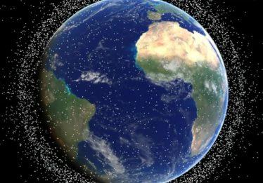 Empresa japonesa desenvolve tecnologia para destruir lixo espacial