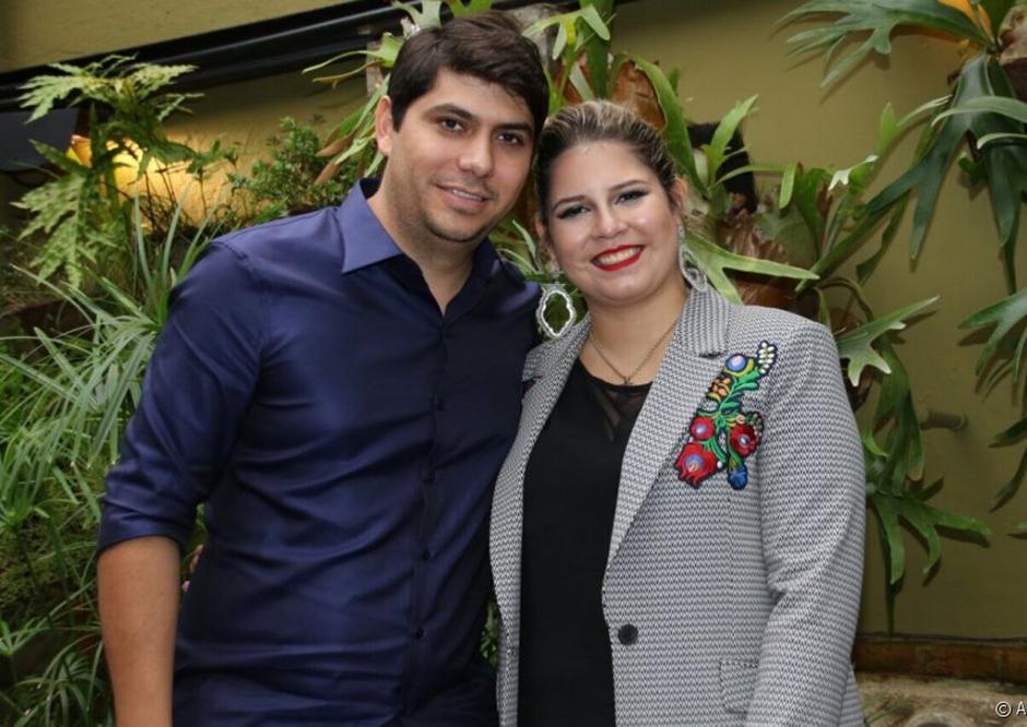 Marília Mendonça termina noivado para se dedicar a carreira