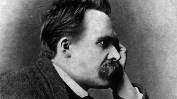 Nietzsche, uma encruzilha para a filosofia.