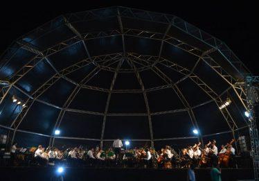 Orquestra Sinfônica se apresenta no Parque Flamboyant