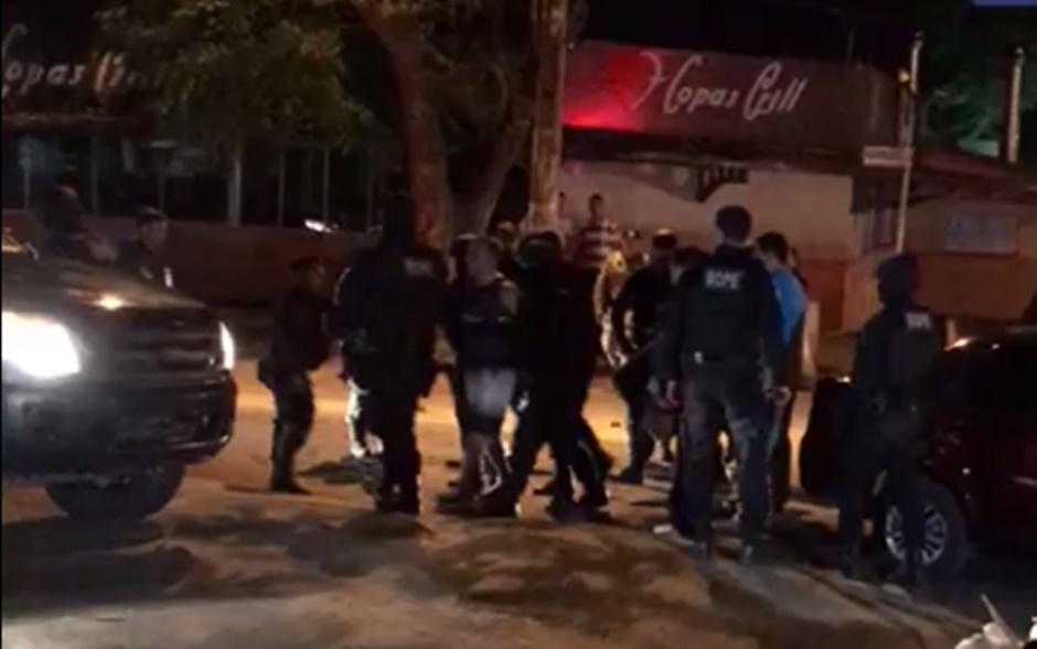 Policial que manteve a mãe refém é internado em clínica psiquiátrica