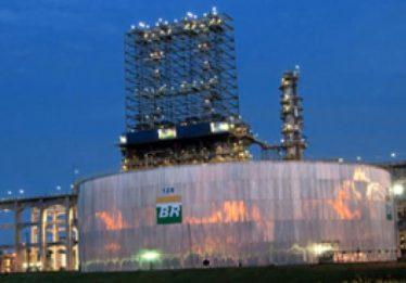 Petrobras reduz amanhã preços da gasolina e diesel nas refinarias