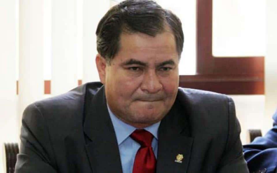 Avião com ex-senador boliviano asilado no Brasil cai em Goiás