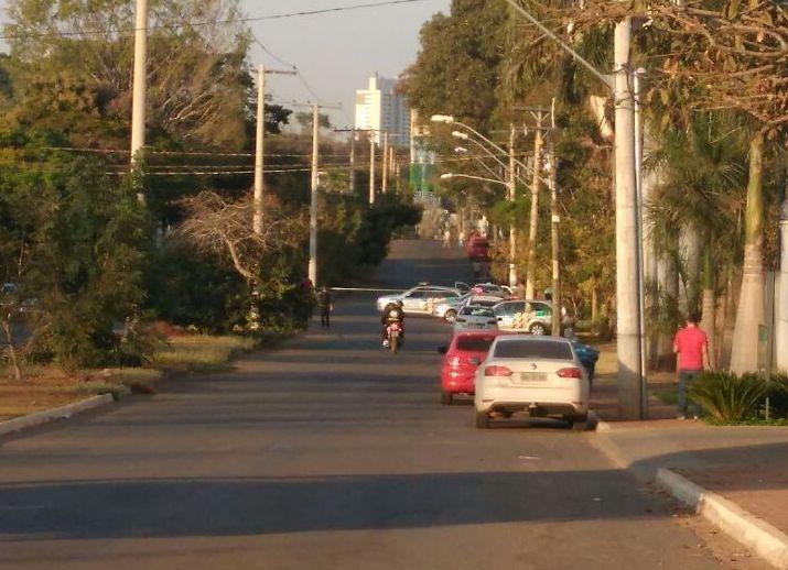 Taxista morre ao ser baleado enquanto deixava passageiros no Setor Santa Genoveva, em Goiânia