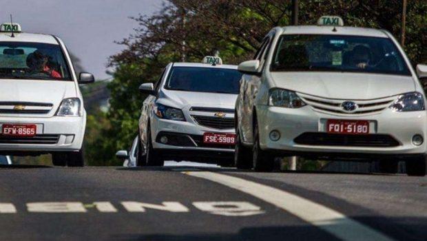 Taxistas poderão prestar serviço de transporte de passageiros por aplicativo, em Goiânia