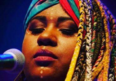 Thayná Janaina lança CD no Goiânia Ouro