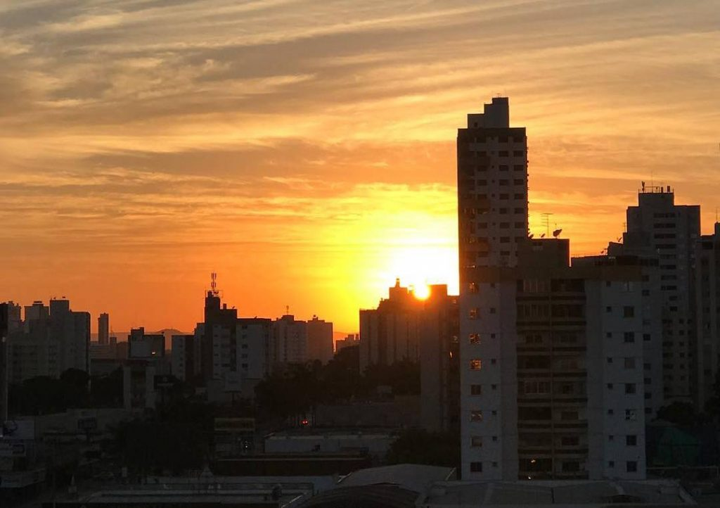 Deputados mantêm veto do governador e horário de verão continuará a vigorar em Goiás