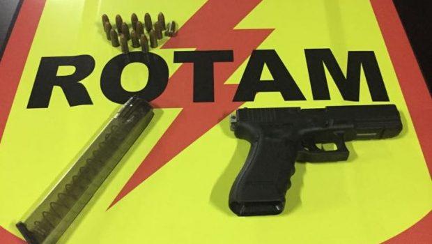 Homem é preso no Setor Santo Hilário com arma de fogo e  munições
