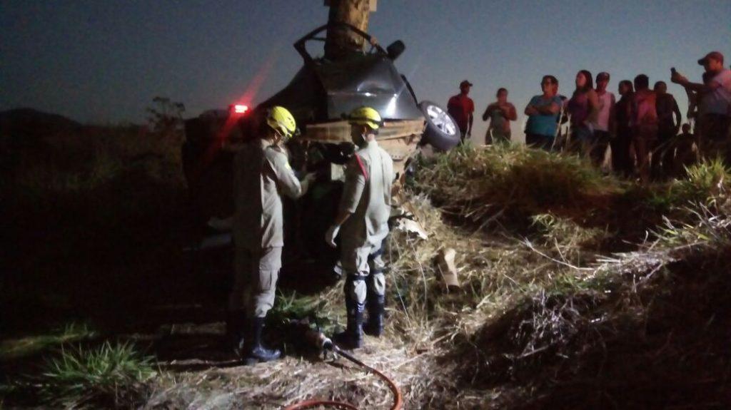 Homem morre após colidir veículo contra árvore na GO-556, próximo a Alto Horizonte