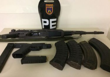 Após novo tiroteio na Rocinha, Exército prende cinco e aprende um fuzil AK47