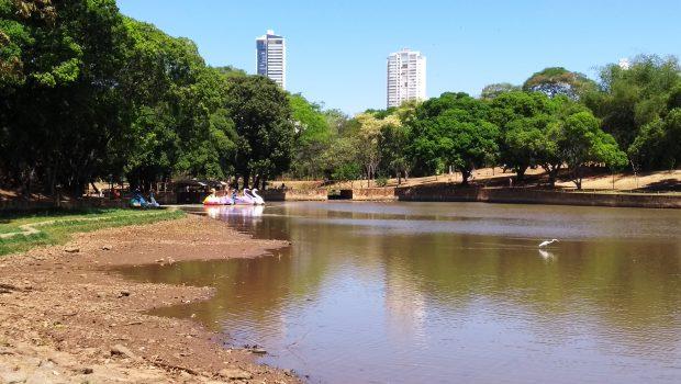 Amma pede retirada de pedalinhos do Lago das Rosas, no Setor Oeste