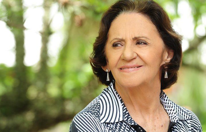 Laura Cardoso faz 90 anos e é homenageada